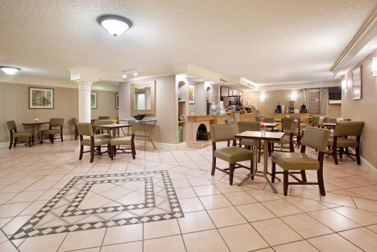 La Quinta Inn Denver Central: Lobby