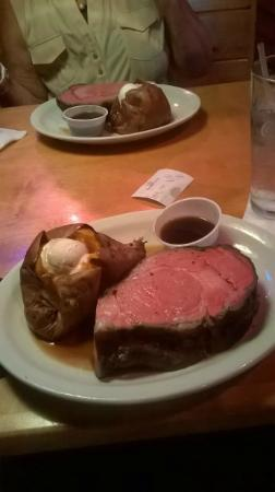 Texas Roadhouse: 16oz Prime Rib