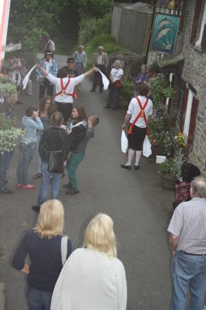 Kingston, UK: Olde world dance