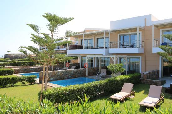The Rοyal Blue: Chambres en front de mer avec piscine privée pour celles en rez de chaussée