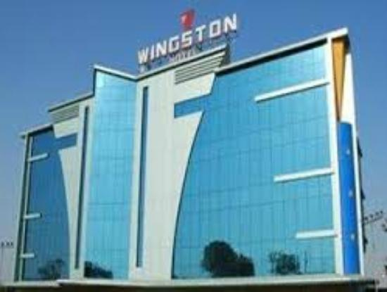 Wingston Hotel: Hotel Front View