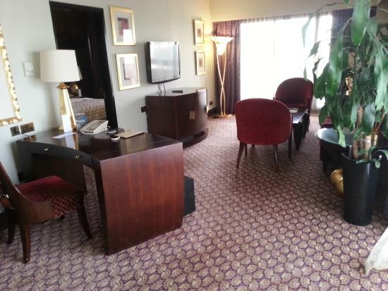 Le Meridien Abu Dhabi : Room