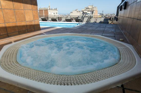 Sunotel Central: Piscina y jacuzzi