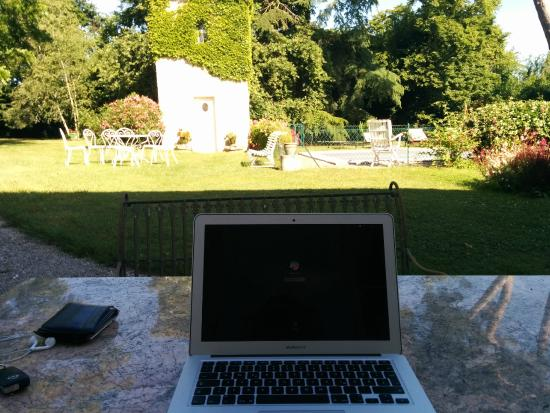 Réal : Working outside with wifi