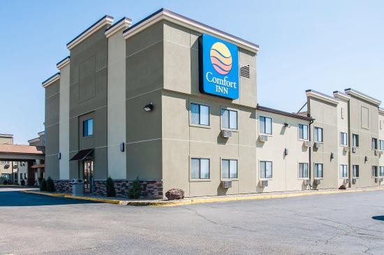 Comfort Inn: NDExterior