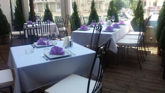 Hotel Ambasador: Terrace