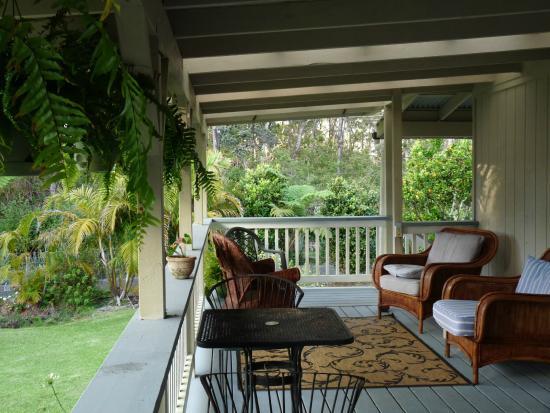 Aloha Junction Bed and Breakfast: vue de la terrasse commune aux 2 chambres
