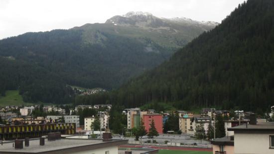 Central Sporthotel Davos: Blick vom Balkon im Zimmer 302