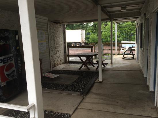Motel 6 Frackville : picnic area
