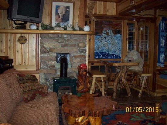 Big Bear Hideaway: Polar Bear Palace