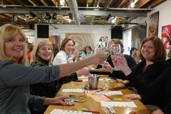 Studio Winery: Cheers!