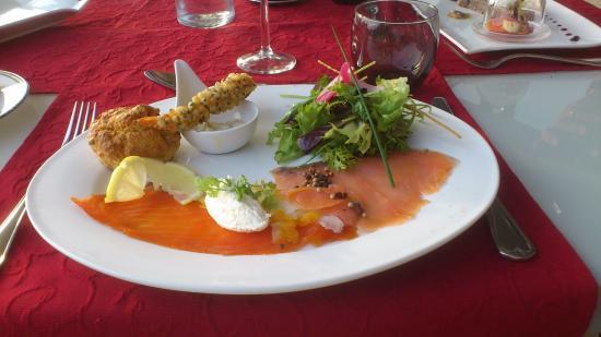 هوستليري سانت كليمنت: Duo de poissons fumés