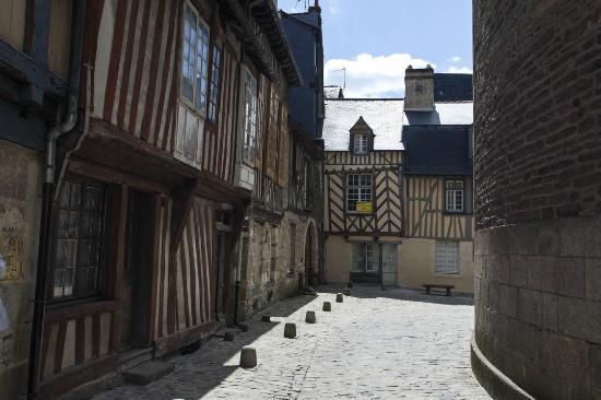 Rennes picture of rennes ille et vilaine tripadvisor - Magasins de meubles rennes ille et vilaine ...