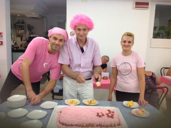Hotel Sorriso: Notte rosa