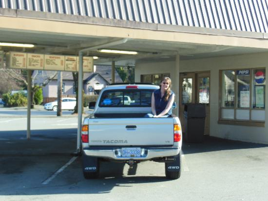 J & L Drive-In: A must-stop on the way to Tofino, & enjoy the Long Beach mural for inspiration, too!