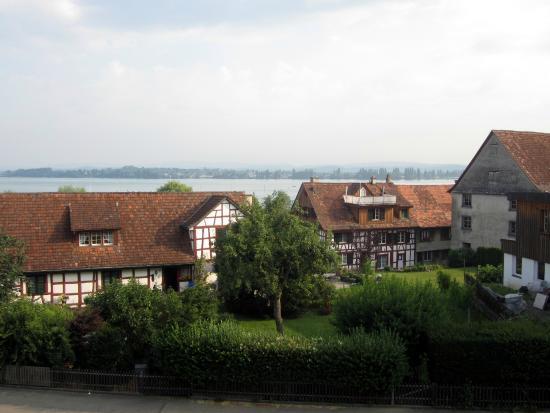 Hotel Ermatingerhof: Ausblick Richtung Untersee über das Fischerdorf Ermatingen