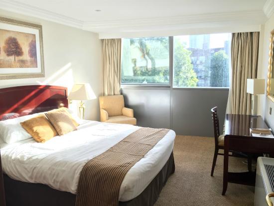 Sanctum International Serviced Apartments : Master bedroom