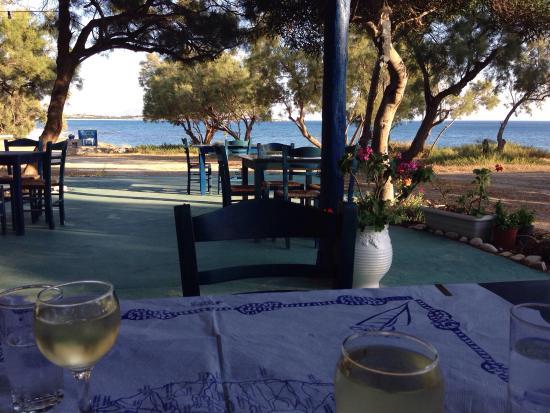 Taverna Kastraki Paradise: Heerlijk eten op mooie locatie