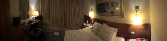 Madeira Regency Cliff: Panoramic shot of our bedroom on the fifth floor