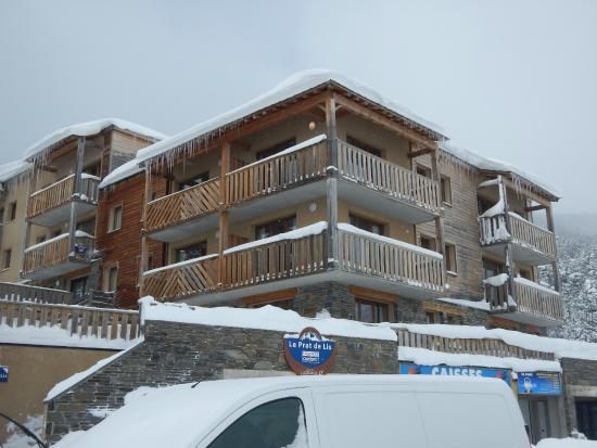 Lagrange Vacances Prat de Lis: la résidence en hiver