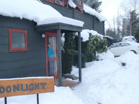 Moonlight Guest House : Snow in Tekapo