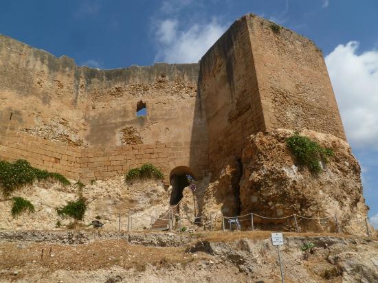 Murailles du castello dei Luna