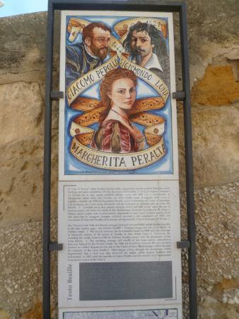 Castello dei Luna: Histoire des deux familles ennemies.