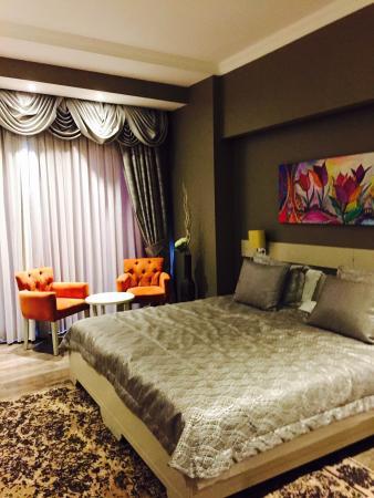 Doga Hotel and travertines at Pamukkale