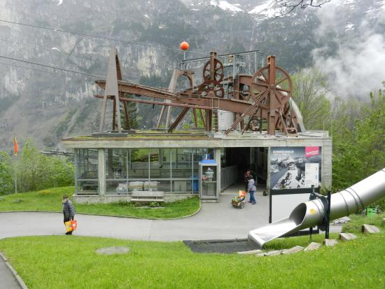 Murren, Switzerland: Gimmelwald Lift Station