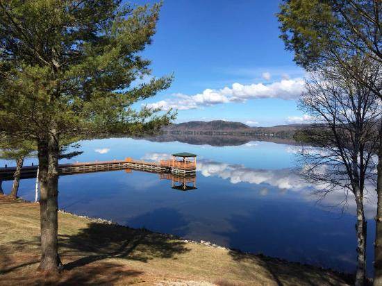 The Woods Inn: Lake View