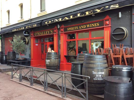 Pub O'Malley's : Quando chegamos ainda estava fechado...mas vale a pena