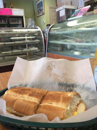 Dabeni's Latin Restaurant & Bakery