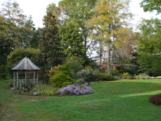 Captivating Historic London Town And Gardens: Gazebo And Ornamental Gardens