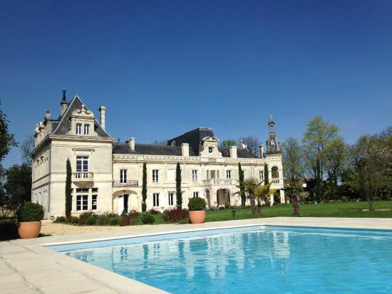 Foussignac, ฝรั่งเศส: Vue de la piscine