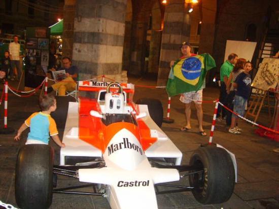 Monza : Exposição de carros
