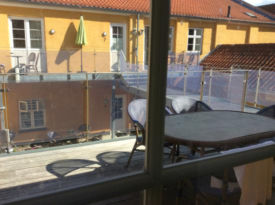 Dragoer Hotel & holiday apartments: view of deck