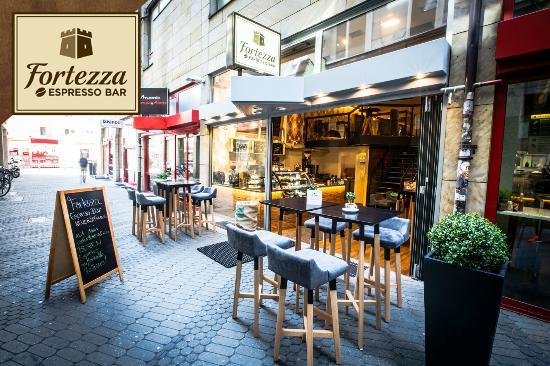 Au enbereich bild von fortezza espresso bar n rnberg for Bar 42 nurnberg