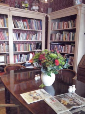 Hotel Restaurant vof 't Heerenlogement: La biblioteca ricchissima di libri e giochi anche per bambini.