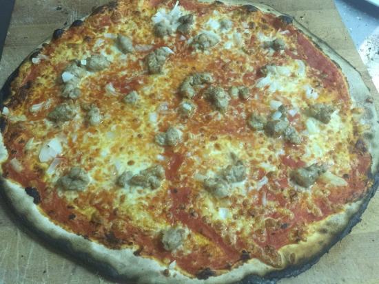 Ragazzi Del 2000: pizza salsiccia fresca e caciocavallo