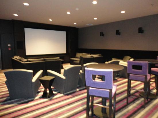 Movielounge: Screening Room