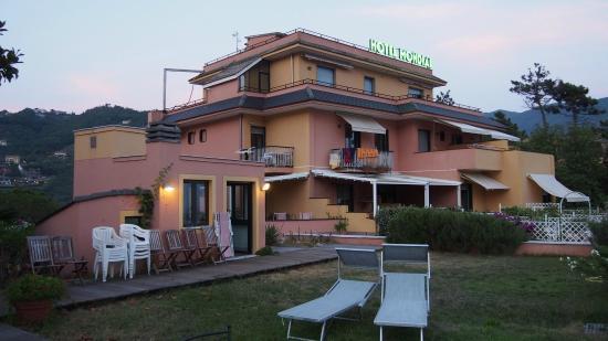 Hotel Mondial: Hotel