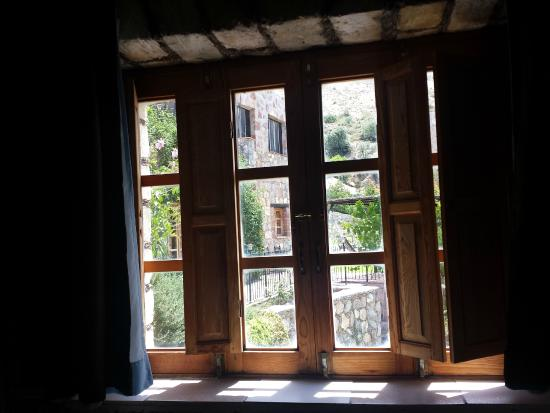 Refugio Romano: Desde la ventana de la habitación azul.