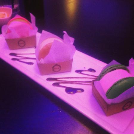 Gyu-Kaku Japanese BBQ Dining: Macaroon ice cream sandwich