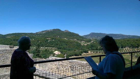 Chateau de Barroux : Beautifully view