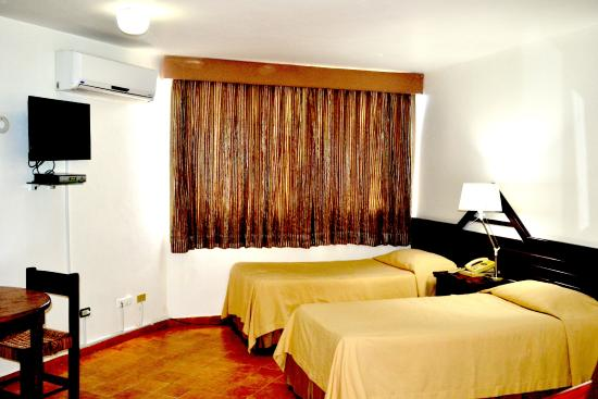 Hotel Plaza Del Sol 42 5 7 Updated 2018 Prices