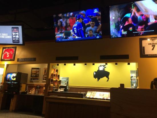Buffalo Wild Wings: Food pick up area