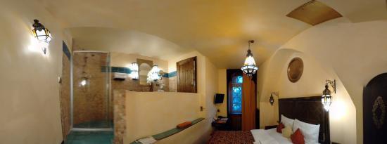 room shower bild von metro boutique hotel frankfurt am main tripadvisor. Black Bedroom Furniture Sets. Home Design Ideas