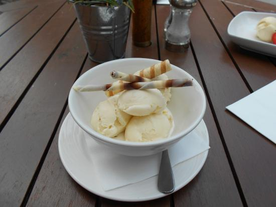 Three Crowns Chagford : Ginger Ice cream