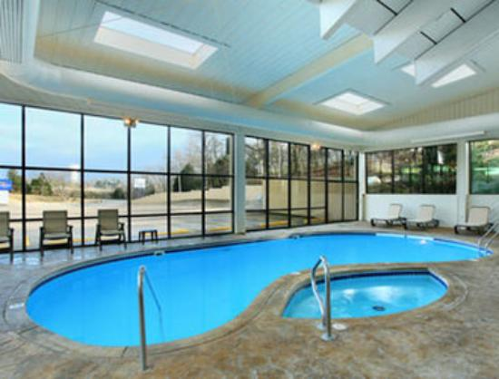 Baymont Inn & Suites Branson: Pool