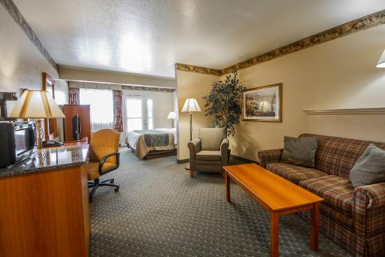 Comfort Inn Amp Suites Ukiah Save Up To 16 2017 Prices